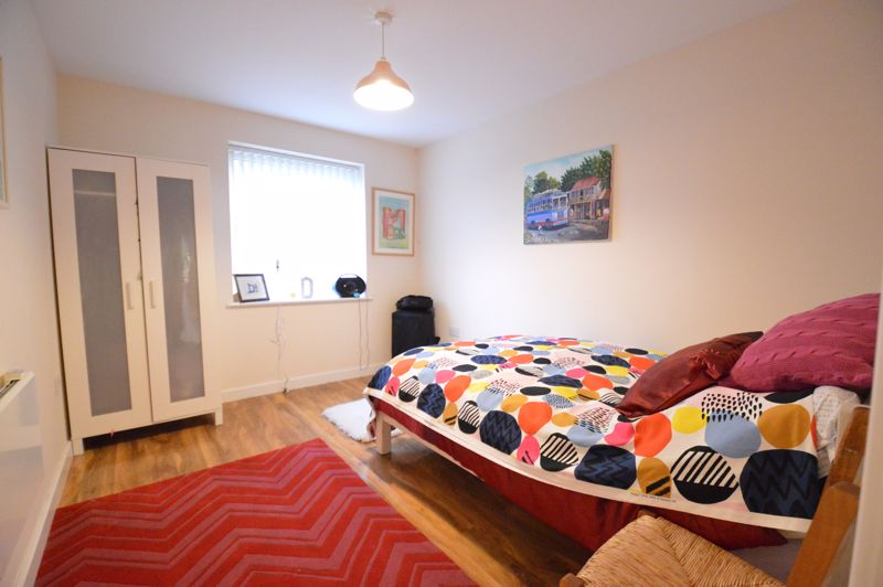 2 bedroom Apartment / Studio to buy in Holly Street, Luton - Photo 5