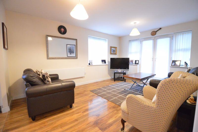 2 bedroom Apartment / Studio to buy in Holly Street, Luton - Photo 8