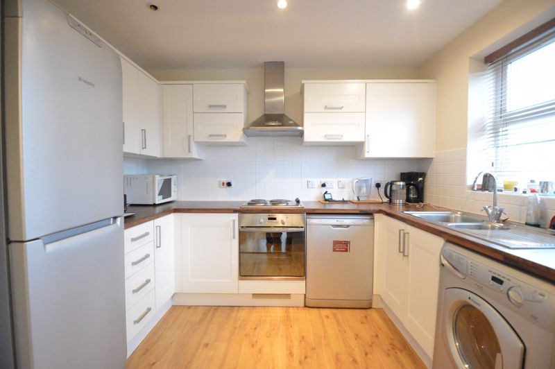 2 bedroom Apartment / Studio to buy in Holly Street, Luton - Photo 11