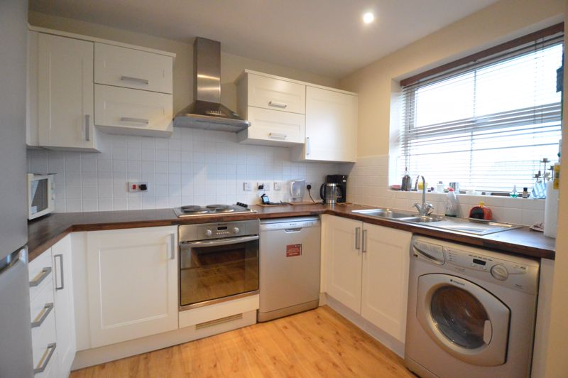 2 bedroom Apartment / Studio to buy in Holly Street, Luton - Photo 12