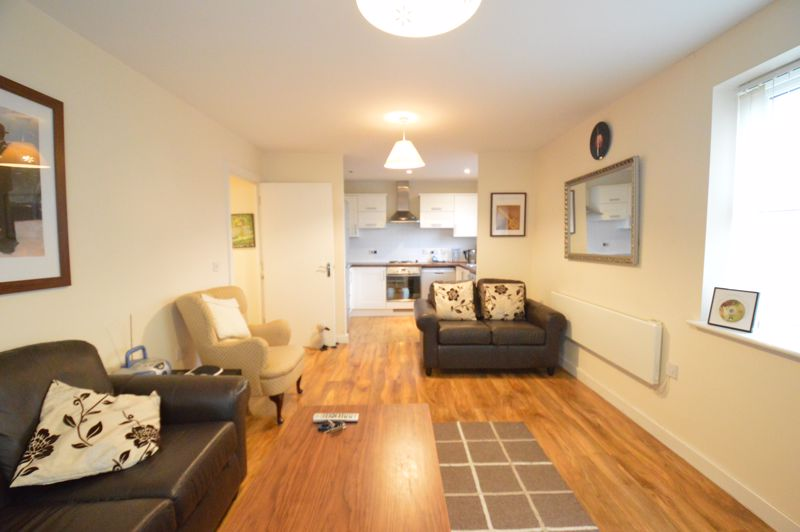 2 bedroom Apartment / Studio to buy in Holly Street, Luton - Photo 13