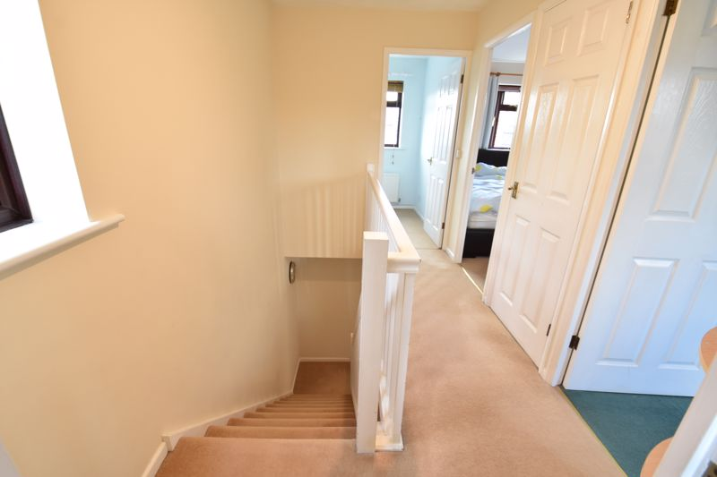 3 bedroom Semi-Detached  to buy in Dexter Close, Luton - Photo 6