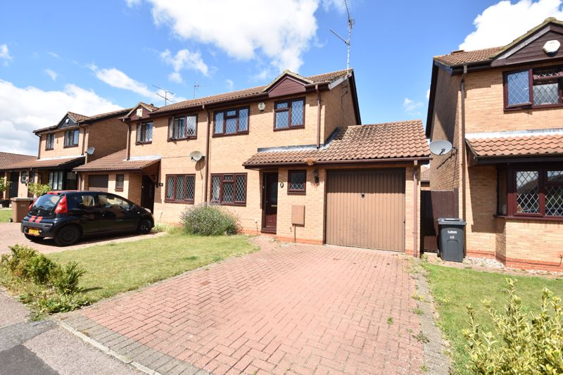 3 bedroom Semi-Detached  to buy in Dexter Close, Luton - Photo 11