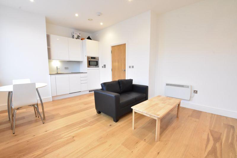 1 bedroom Apartment / Studio to buy in Flowers Way, Luton - Photo 4