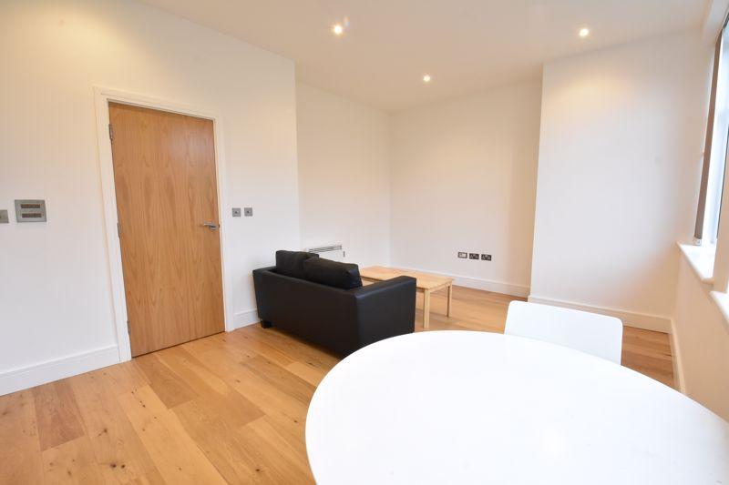 1 bedroom Apartment / Studio to buy in Flowers Way, Luton - Photo 6