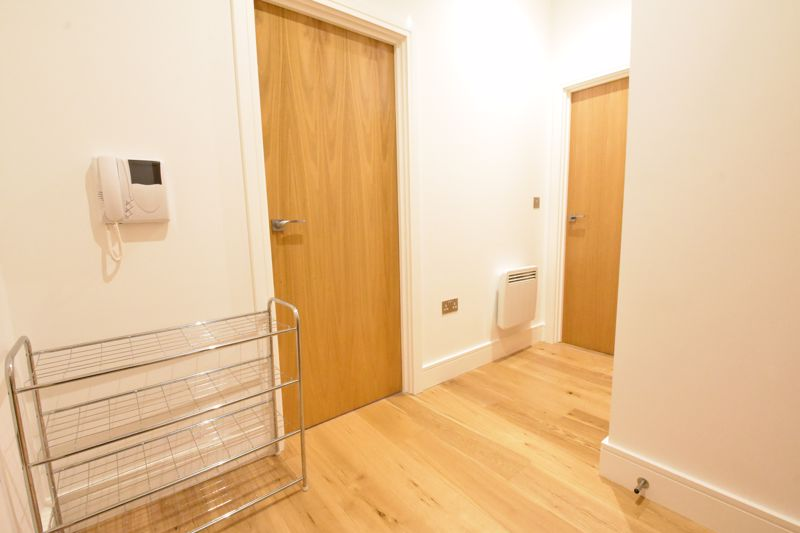 1 bedroom Apartment / Studio to buy in Flowers Way, Luton - Photo 10
