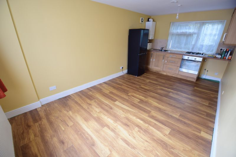 1 bedroom Maisonette to buy in New Bedford Road, Luton - Photo 9
