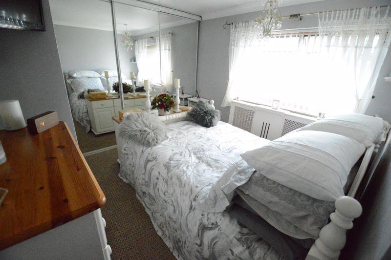 3 bedroom Mid Terrace to buy in Beadlow Road, Luton - Photo 6