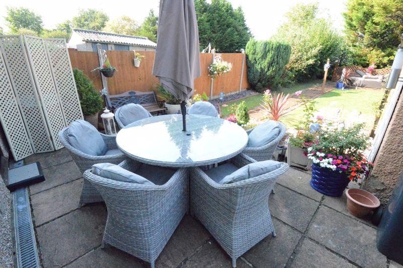 3 bedroom Mid Terrace to buy in Beadlow Road, Luton - Photo 11