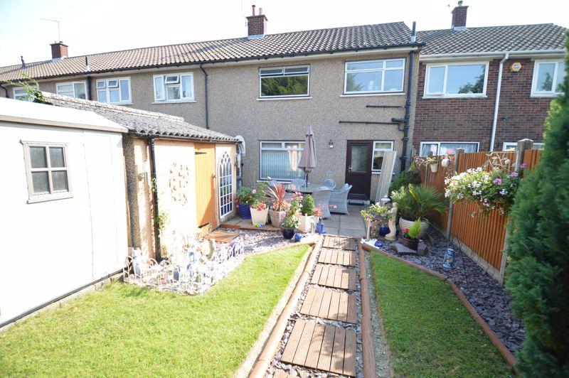 3 bedroom Mid Terrace to buy in Beadlow Road, Luton - Photo 14