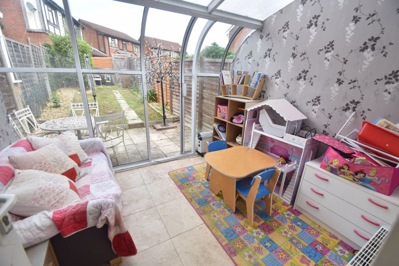 2 bedroom Mid Terrace to buy in Pytchley Close, Luton - Photo 1