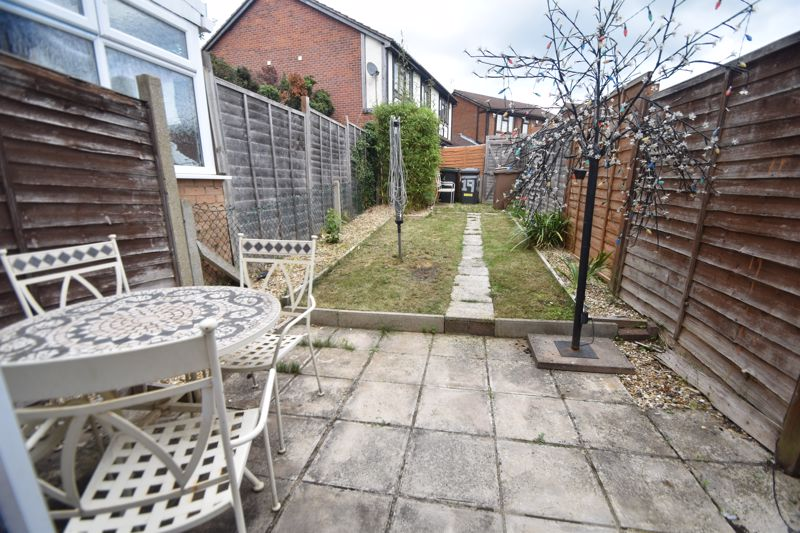 2 bedroom Mid Terrace to buy in Pytchley Close, Luton - Photo 9