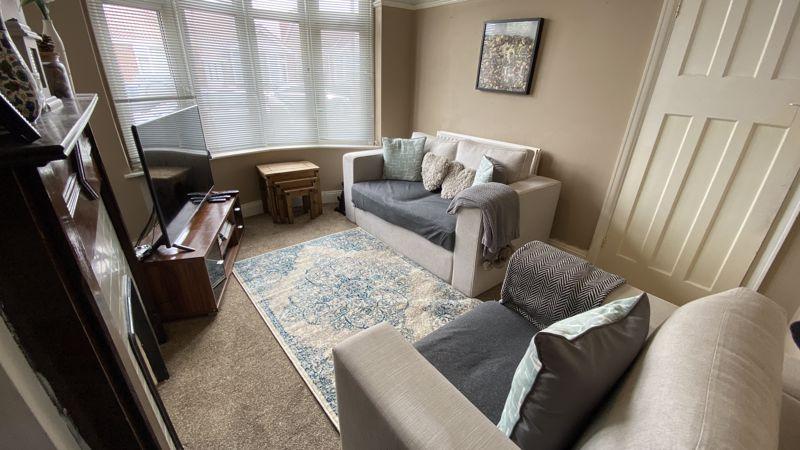2 bedroom Mid Terrace to buy in St. Monicas Avenue, Luton - Photo 2