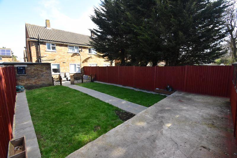 2 bedroom Semi-Detached  to buy in Littlefield Road, Luton - Photo 20