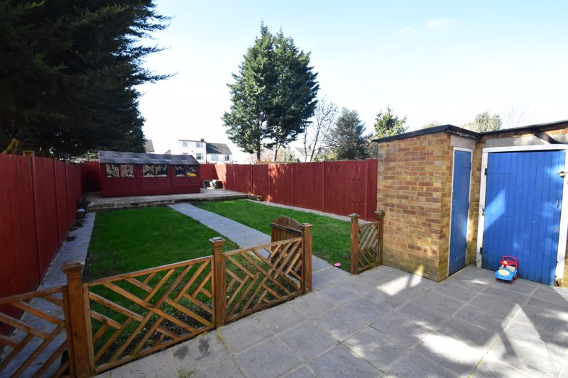 2 bedroom Semi-Detached  to buy in Littlefield Road, Luton - Photo 21