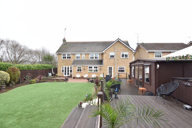 4 bedroom  to buy in Whitehaven, Luton