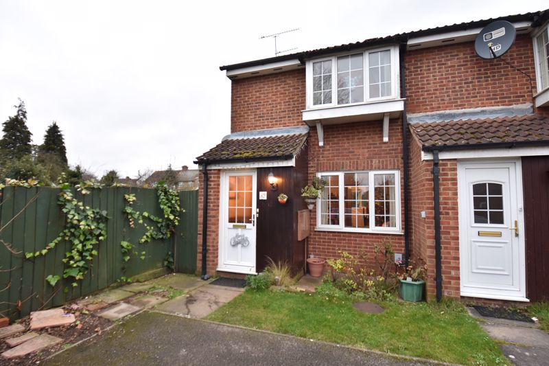 2 bedroom End Terrace to buy in Malham Close, Luton