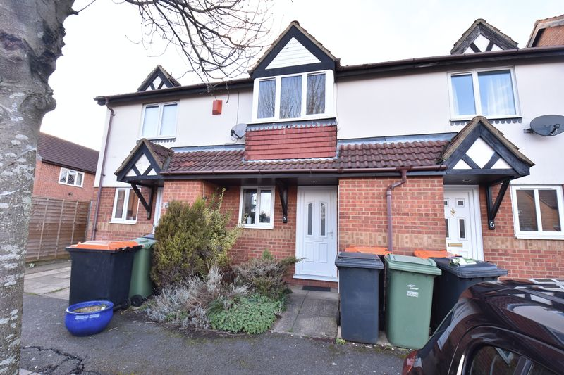 2 bedroom Mid Terrace to buy in Farmbrook, Luton
