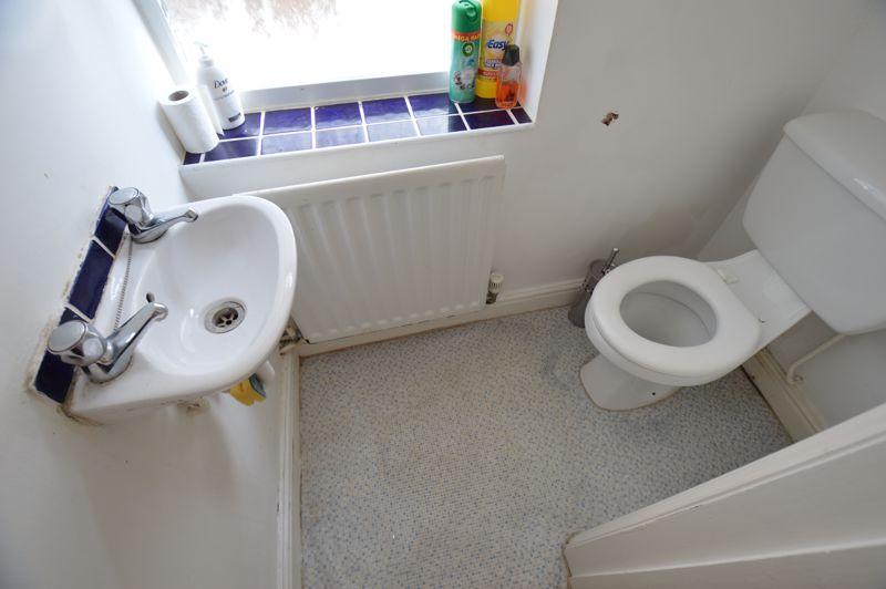 3 bedroom Semi-Detached  to buy in Colin Road, Luton - Photo 2