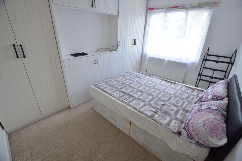3 bedroom Semi-Detached  to buy in Colin Road, Luton - Photo 9