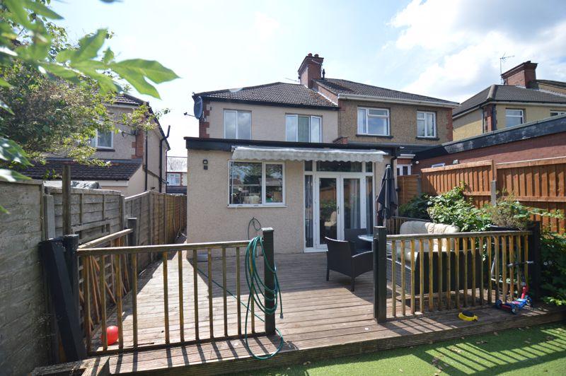 3 bedroom Semi-Detached  to buy in Colin Road, Luton - Photo 16