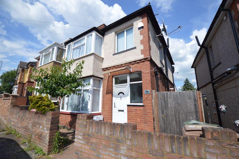 3 bedroom Semi-Detached  to buy in Colin Road, Luton