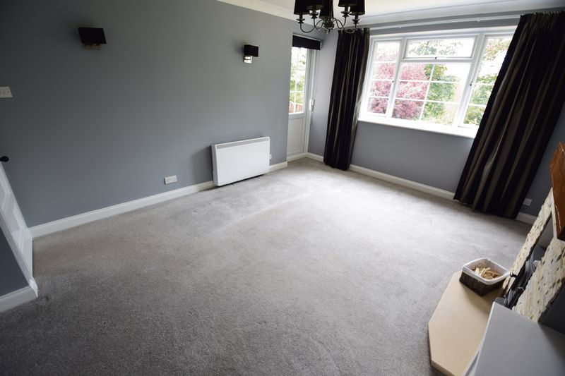 2 bedroom Flat to rent in The Mount, Luton - Photo 3