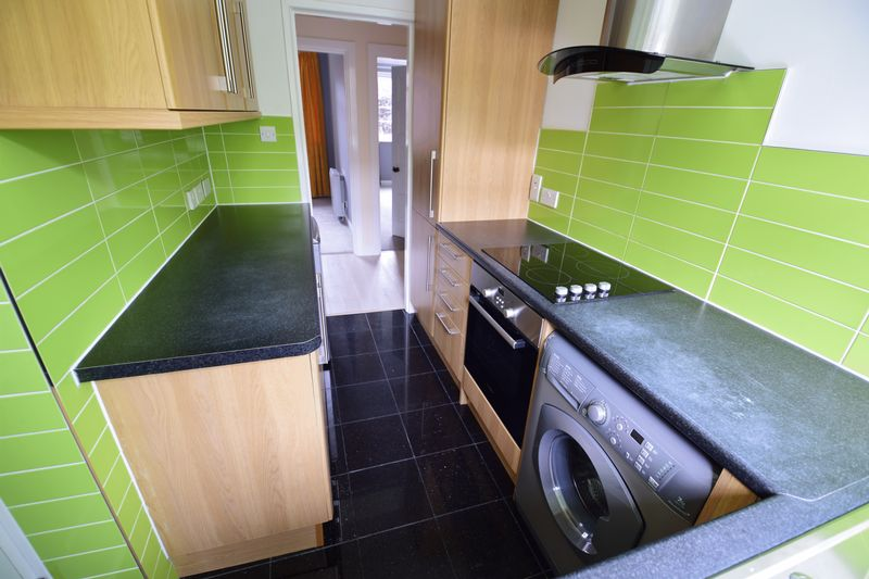 2 bedroom Flat to rent in The Mount, Luton - Photo 5