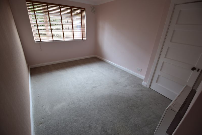 2 bedroom Flat to rent in The Mount, Luton - Photo 7