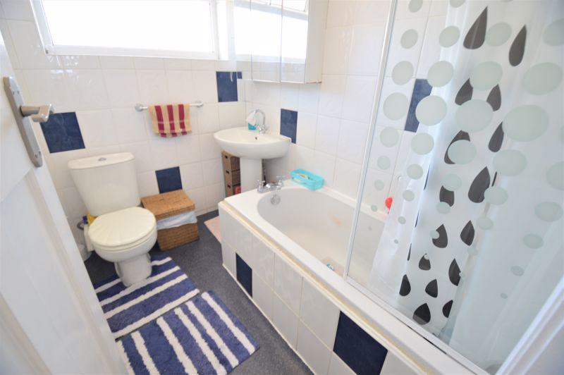 3 bedroom Semi-Detached  to buy in Elmore Road, Luton - Photo 13