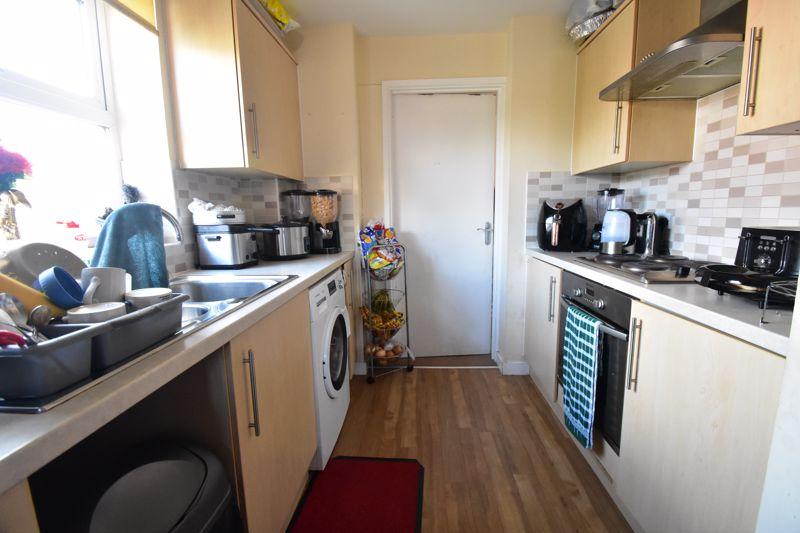 2 bedroom Apartment / Studio to buy in Holly Street, Luton - Photo 7