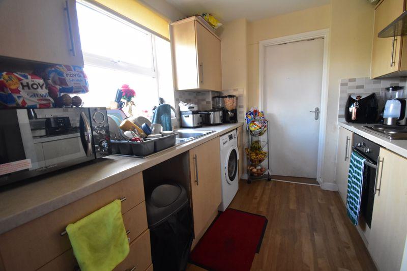 2 bedroom Apartment / Studio to buy in Holly Street, Luton - Photo 8