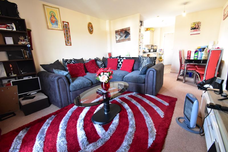2 bedroom Apartment / Studio to buy in Holly Street, Luton - Photo 10