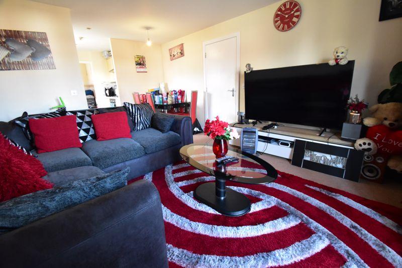2 bedroom Apartment / Studio to buy in Holly Street, Luton - Photo 12