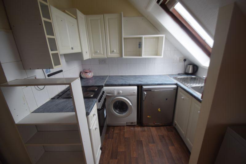 1 bedroom Flat to rent in Alpine Terrace, Luton - Photo 2