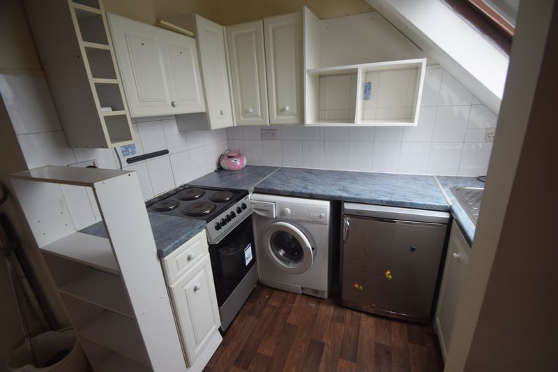 1 bedroom Flat to rent in Alpine Terrace, Luton - Photo 3