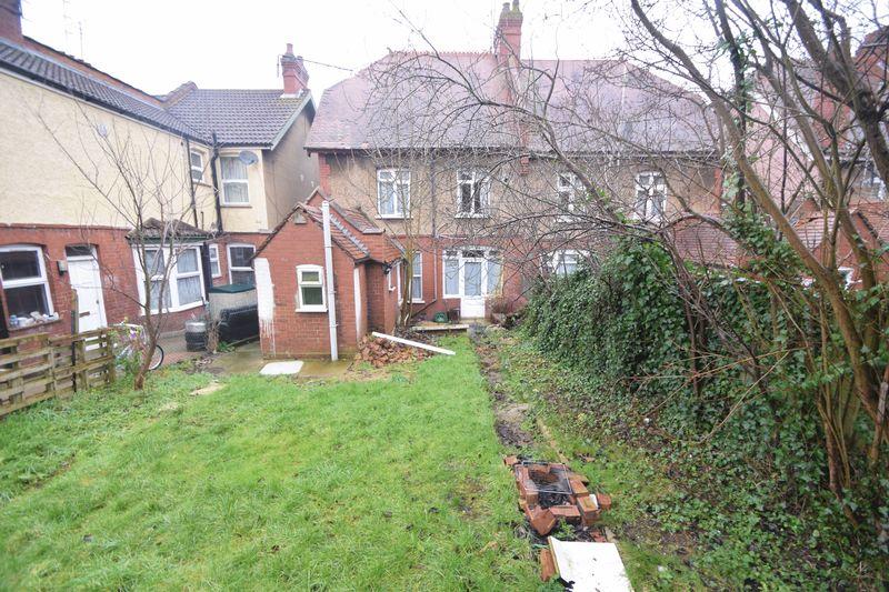 4 bedroom Semi-Detached  to buy in Ashburnham Road, Luton - Photo 12