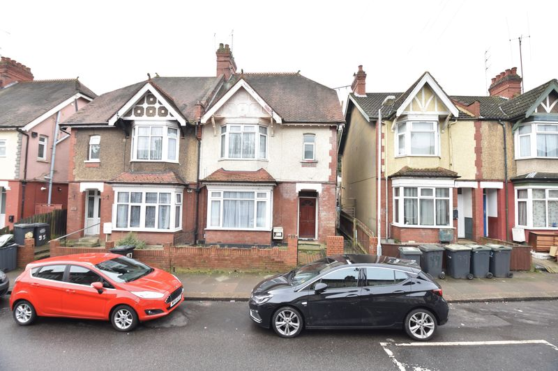 4 bedroom Semi-Detached  to buy in Ashburnham Road, Luton