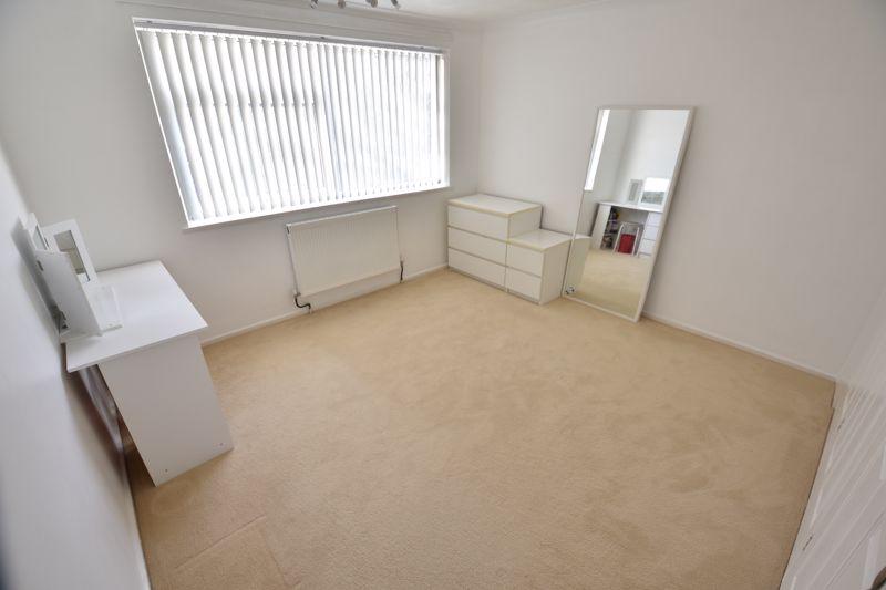 2 bedroom Maisonette to buy in Brendon Avenue, Luton - Photo 6