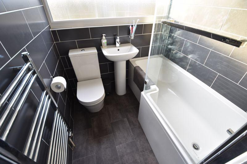 2 bedroom Maisonette to buy in Brendon Avenue, Luton - Photo 7