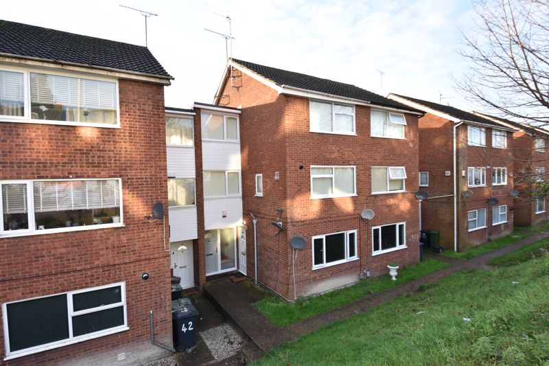 2 bedroom Maisonette to buy in Brendon Avenue, Luton