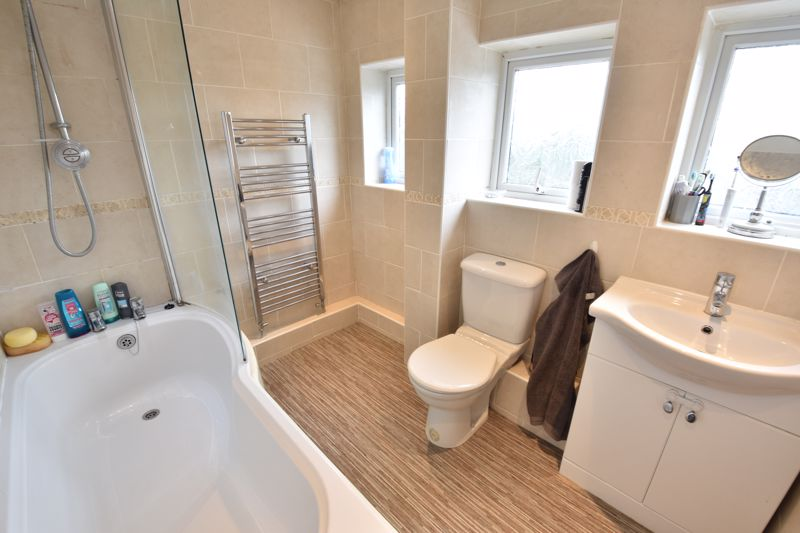 3 bedroom  to buy in Beaconsfield, Luton - Photo 8
