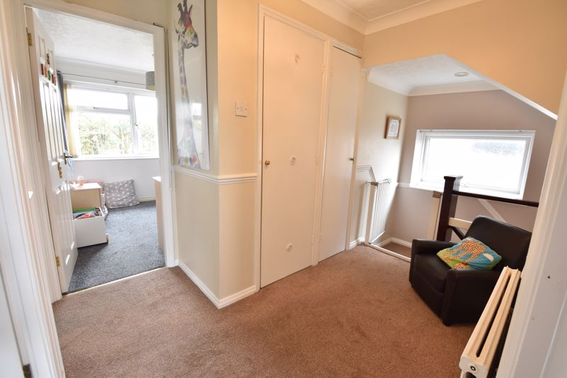 3 bedroom  to buy in Beaconsfield, Luton - Photo 9