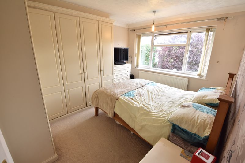 3 bedroom  to buy in Beaconsfield, Luton - Photo 10
