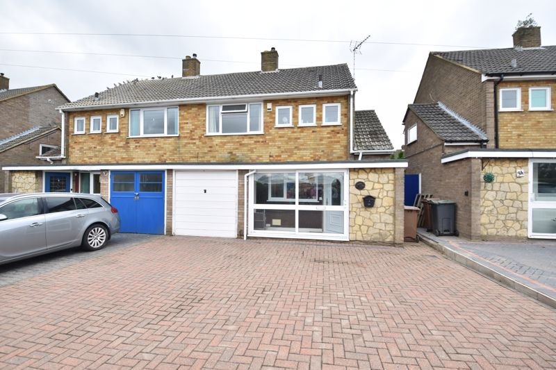 3 bedroom  to buy in Beaconsfield, Luton - Photo 15
