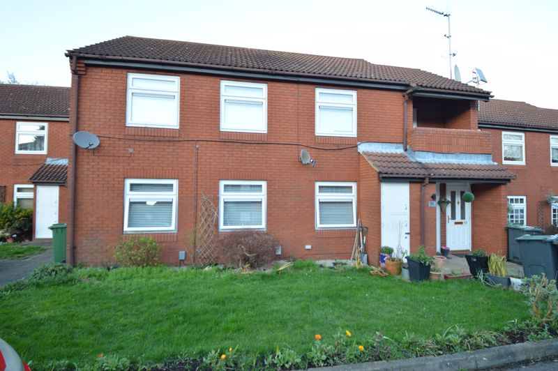2 bedroom  to buy in Wolston Close, Luton