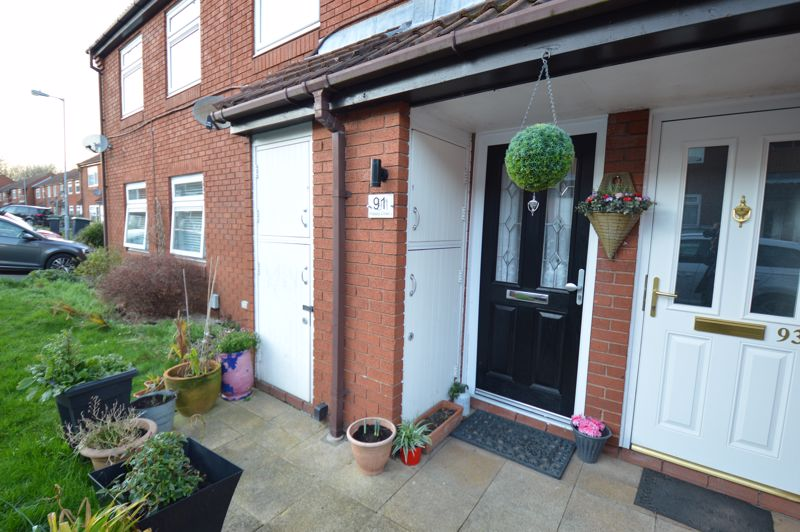 2 bedroom  to buy in Wolston Close, Luton - Photo 2