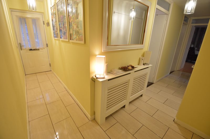 2 bedroom  to buy in Wolston Close, Luton - Photo 8