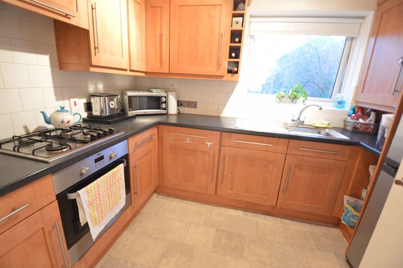 2 bedroom  to buy in Wolston Close, Luton - Photo 9