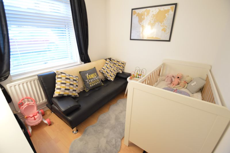 2 bedroom  to buy in Wolston Close, Luton - Photo 12